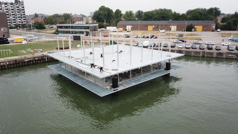 Image: Floating dairy farm