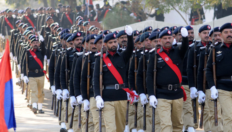 Image: Pakistani officers