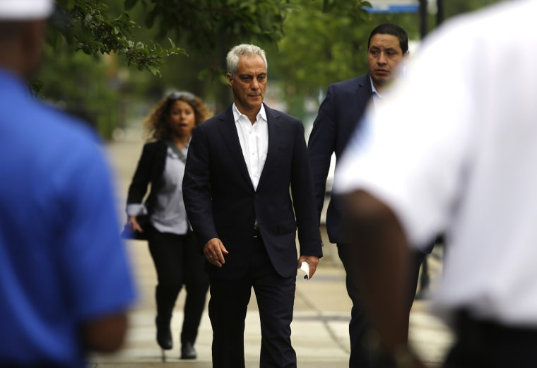Image: Chicago Mayor Rahm Emanuel arrives at a press conference