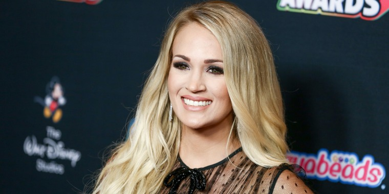 Style commerce post on Carrie Underwood
