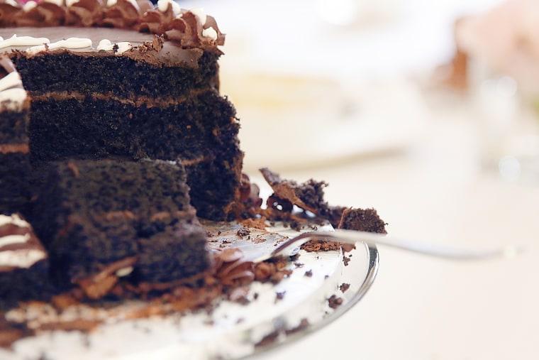 Chelsea Peretti cake debate
