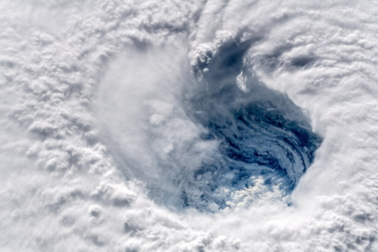 Image: The eye of Hurricane Florence over the Atlantic