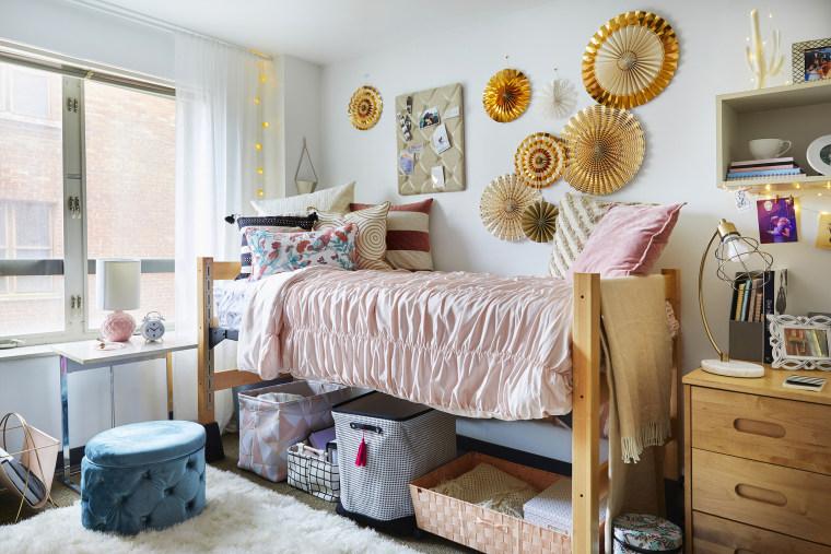 Kyle Richards daughter dorm room