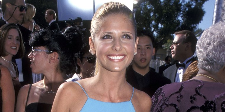 Sarah Michelle Gellar's 1999 Emmys dress still fits!