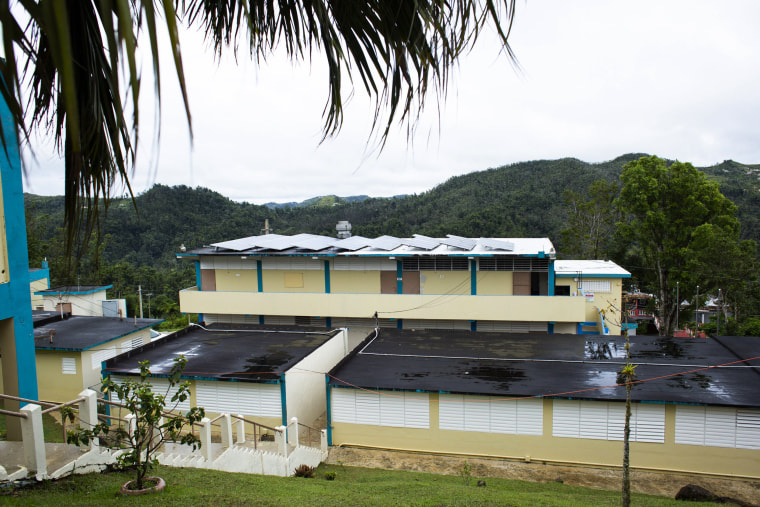 Image: Solar panels at the at the S.U. Matrullas Elementary School