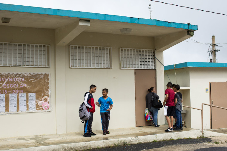 Image: Students at the S.U. Matrullas Elementary School in Orocovis