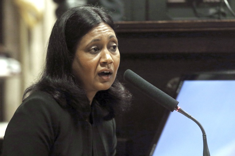 Image: Cook County Medical Examiner Dr. Ponni Arunkumar testifies during the trial for the shooting death of Laquan McDonald