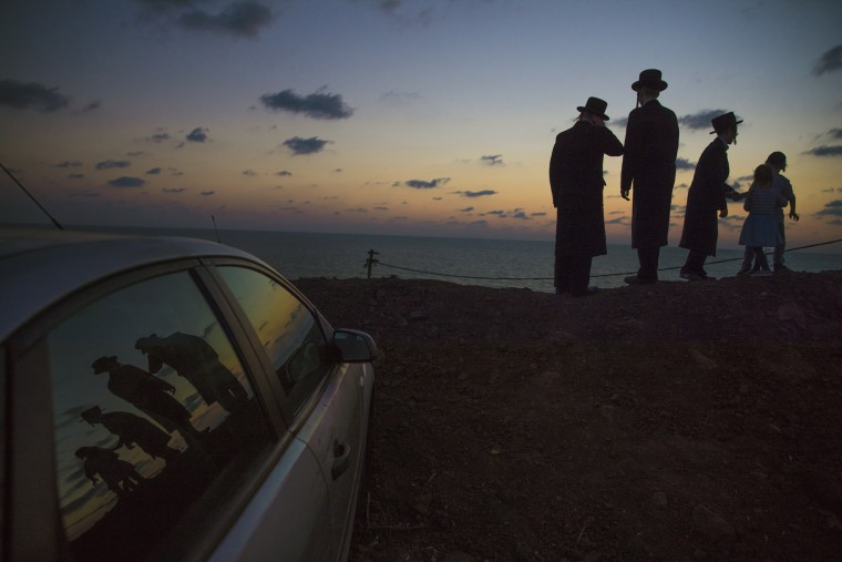 Image: Tashlich ceremony in Herzeliya ahead of Yom Kippur