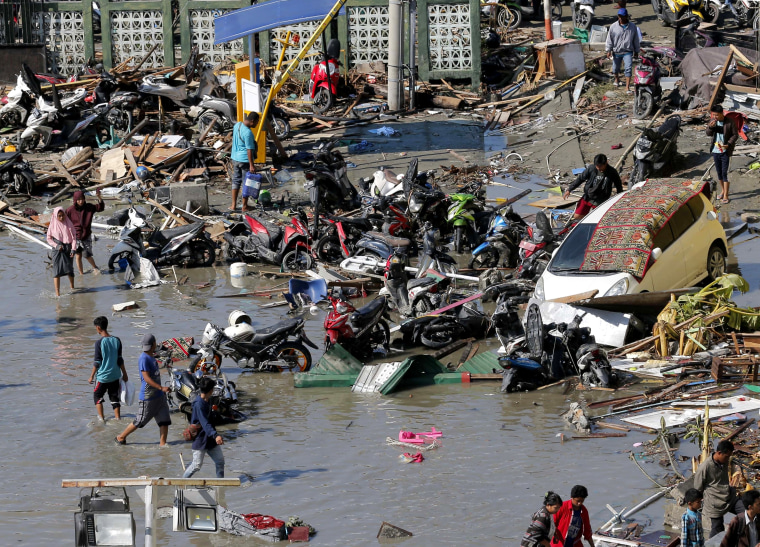 Image: Damage outside a shopping mall in Palu, Indonesia.