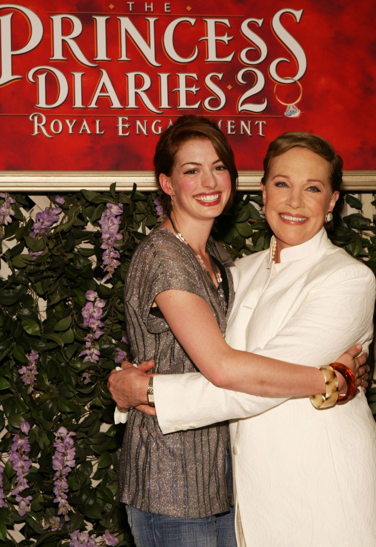 Anne Hathaway writes sweet note to Julie Andrews