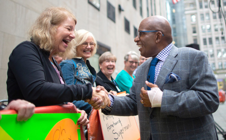 Al Roker has surgery for carpal tunnel.