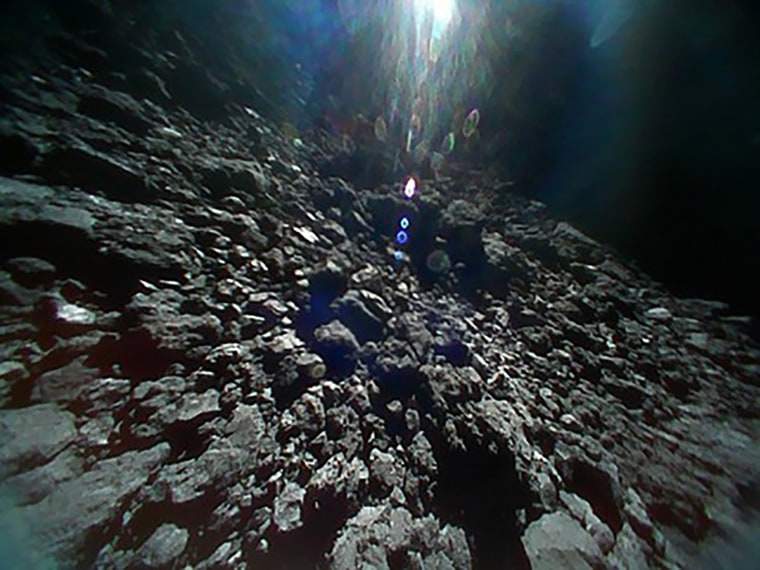 Image: JAPAN-SPACE-HAYABUSA2