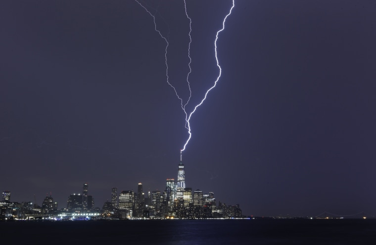 Image: Lightning Strikes One World Trade Center in New York City