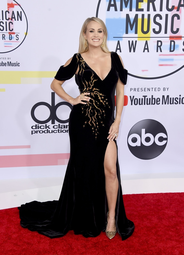 Carrie Underwood red carpet
