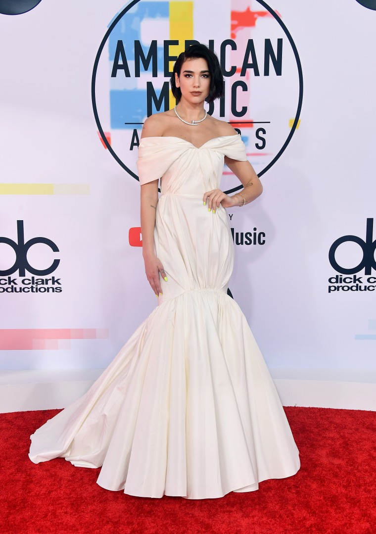 Dua Lipa American Music Awards