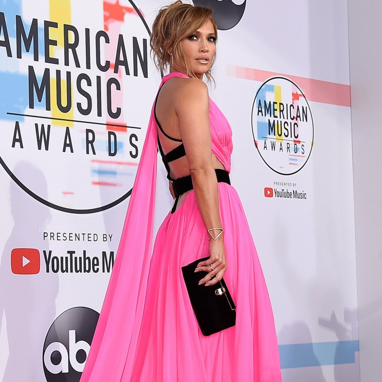 Jennifer Lopez American Music Awards Red Carpet