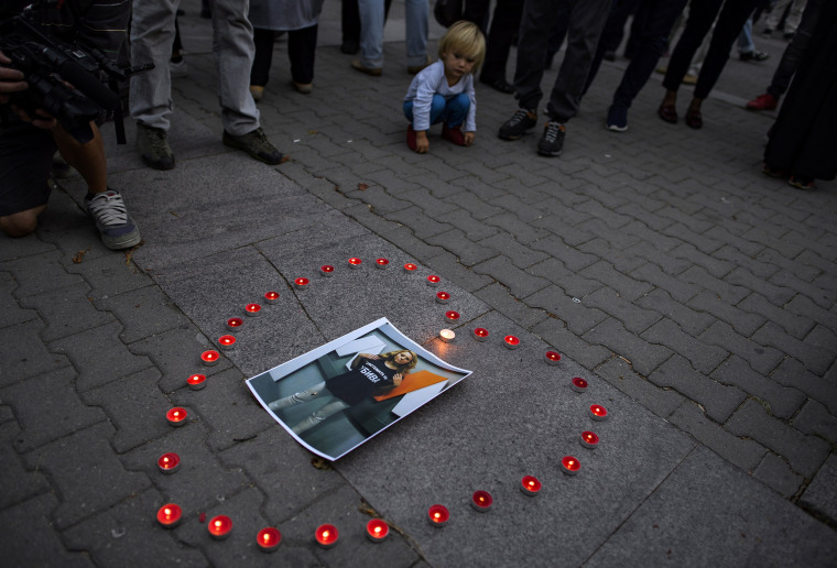 Image: Vigil for killed journalist Viktoria Marinova