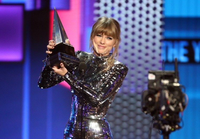 Image: 2018 American Music Awards - Fixed Show