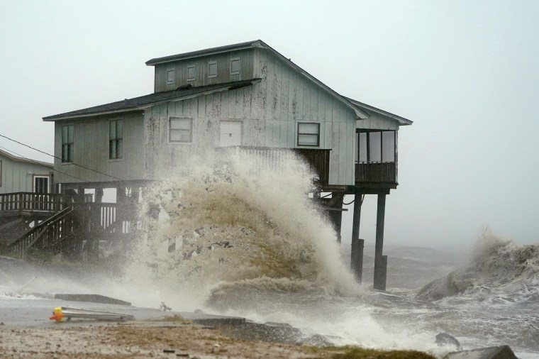 Image: Waves take over a house as Hurricane Michael comes ashore in Alligator Point