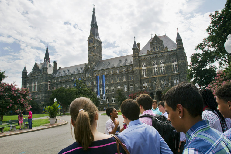 Image: Prospective students tour Georgetown University's campus