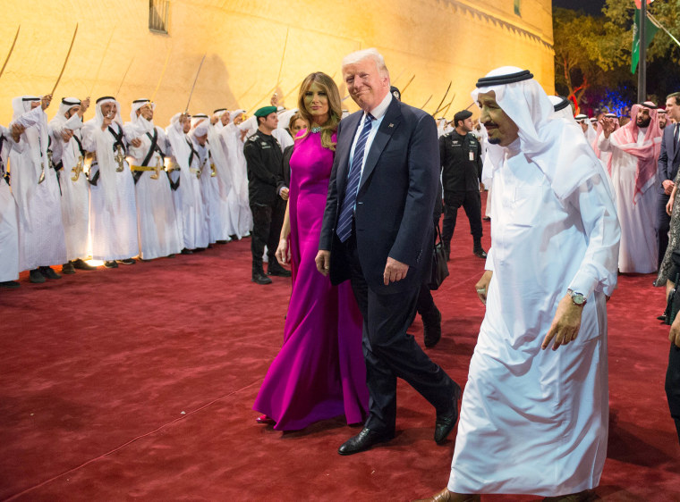 Image: Trump and first lady Melania Trump are welcomed by Saudi Arabia's King Salman bin Abdulaziz Al Saud at Al Murabba Palace in Riyadh