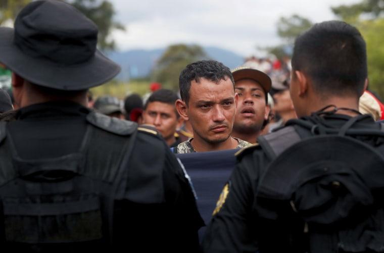 Honduran migrant caravan crosses border of Guatemala