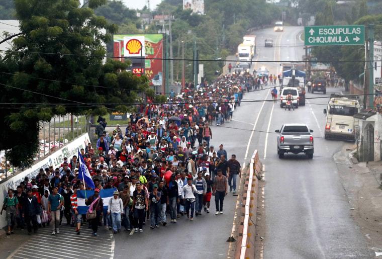 Caravan of Honduran migrants continues crossing Guatemala