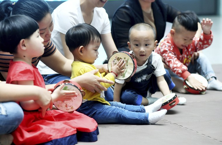 Image: Chinese children at a hospital in Nanjing
