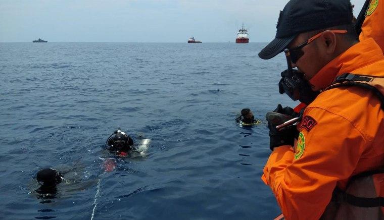 Lion Air Boeing 737 crashes on flight from Jakarta to Sumatra