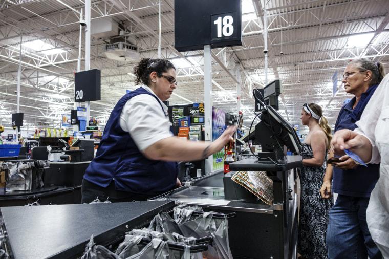 Image: A cashier in Walmart