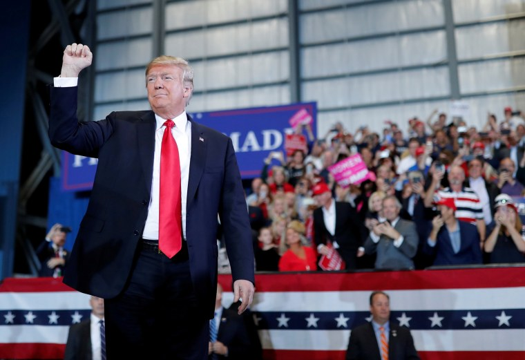 Image: FILE PHOTO: U.S. President Trump attends a campaign rally ahead of midterm elections in Pensacola