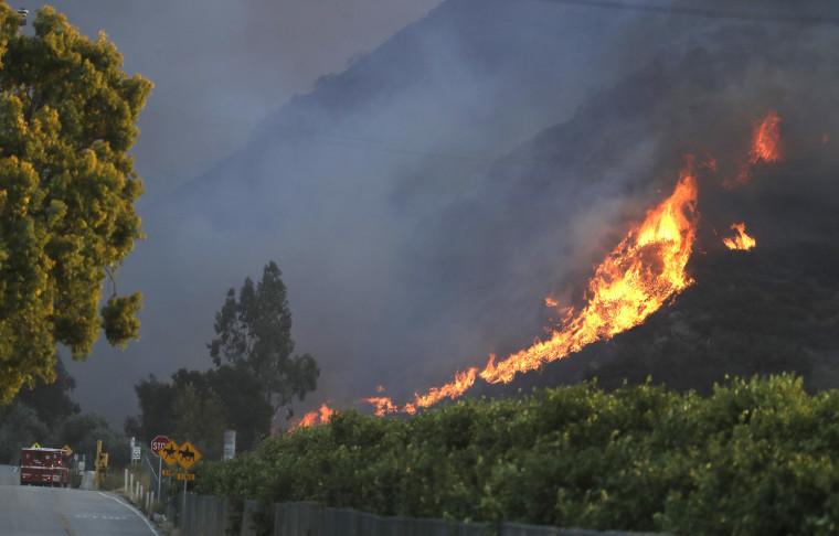 Image: Thousand Oaks wildfire