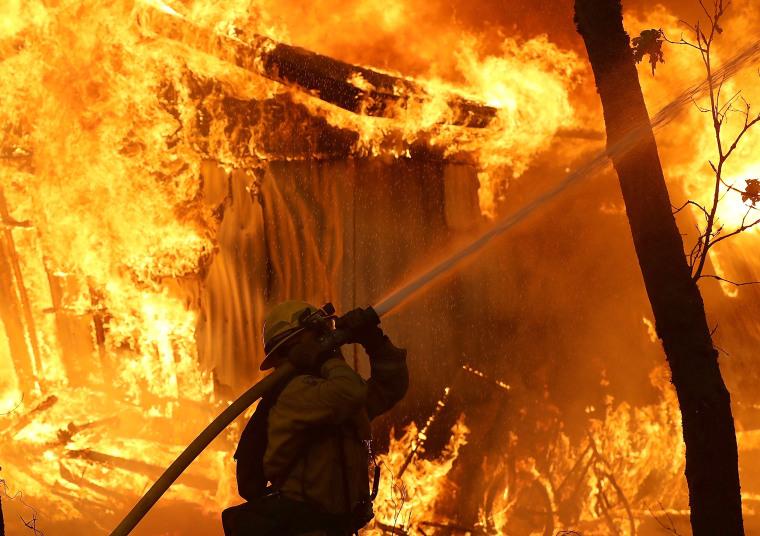 photos camp fire devastates paradise california forcing thousands