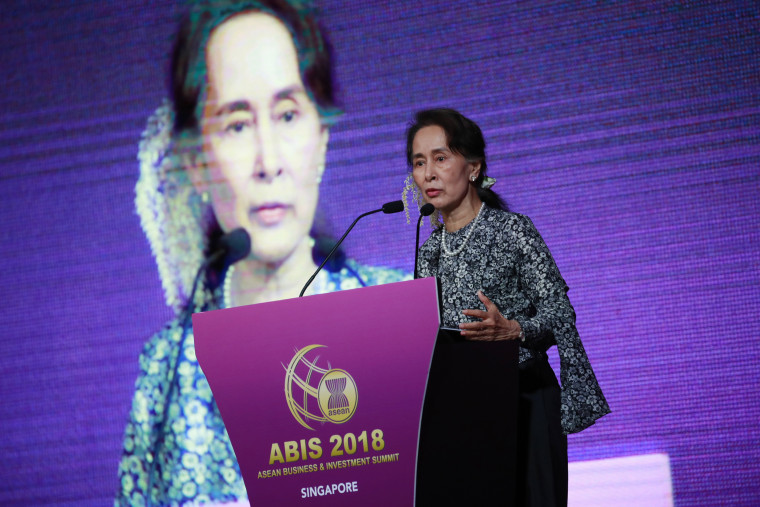 Myanmar's State Counsellor Aung San Suu Kyi delivers her keynote speech at the ASEAN Business and Investment Summit in Singapore on Nov. 12, 2018.
