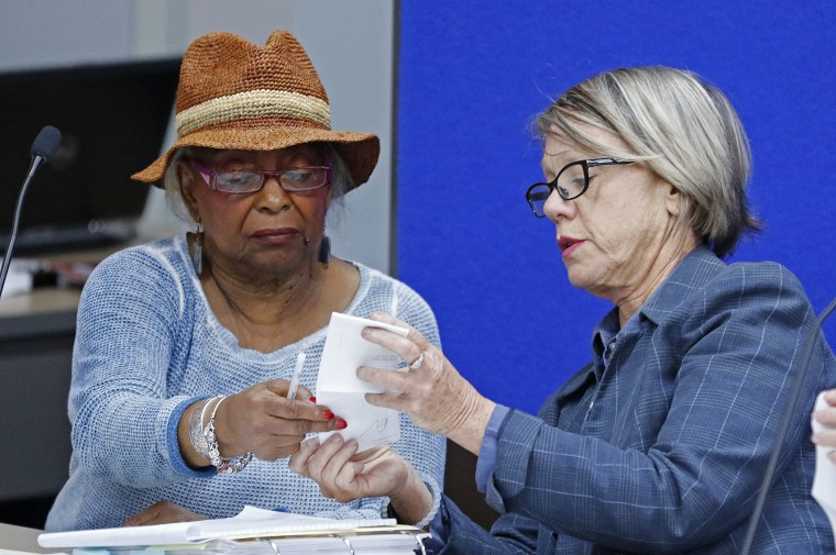 Image: Contentious Florida Midterm Election Results Remain In Question As Vote Recount Continues