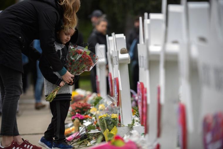 Image: Pittsburgh Mourns Mass Shooting At Synagogue Saturday Morning