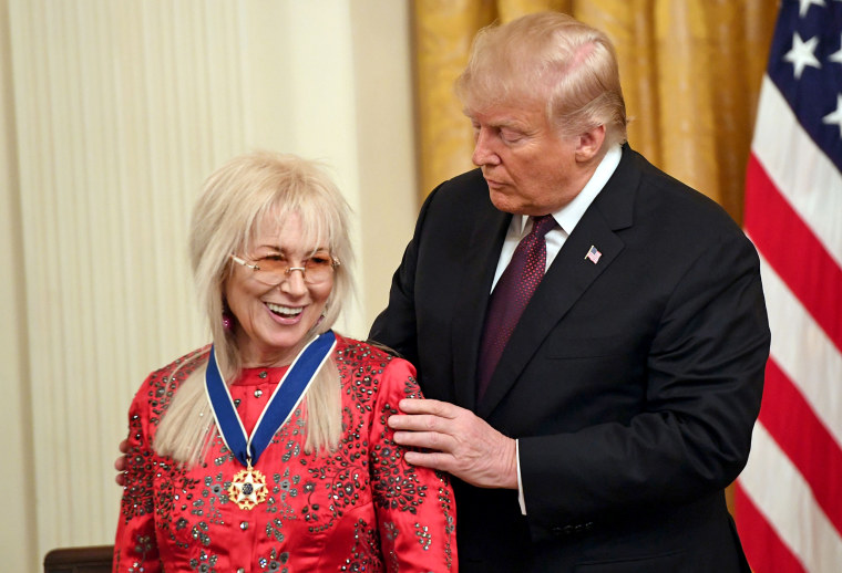 Image: US-sports-people-MedalofFreedom-music-award