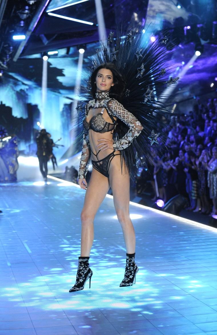 Kendall Jenner Victoria's Secret Fashion Show 2018