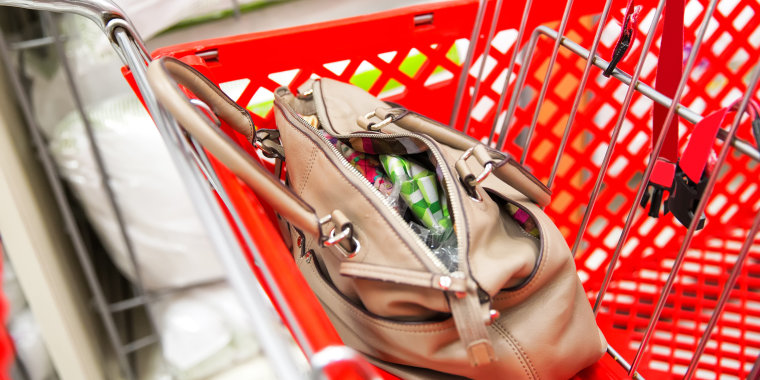 This holiday shopping safety tip can prevent theft.