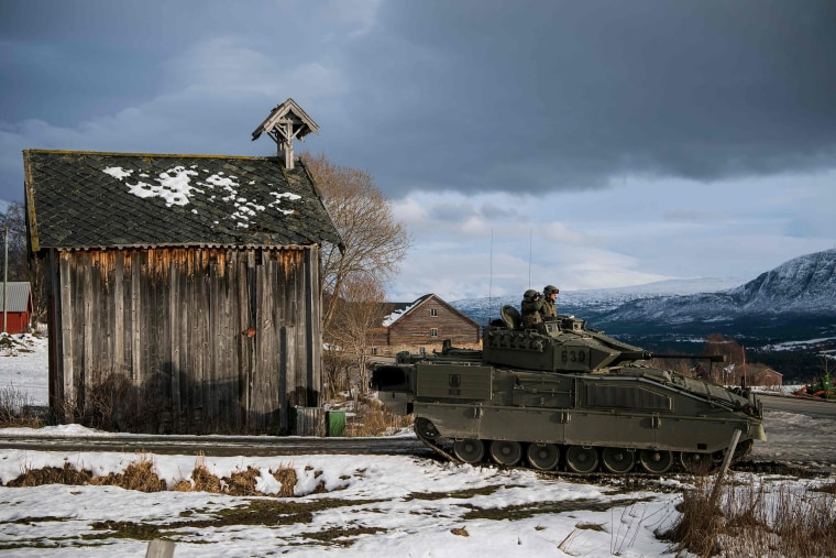 Image: Spanish soldiers in a Pizarro tank as part of the Trident Juncture 2018