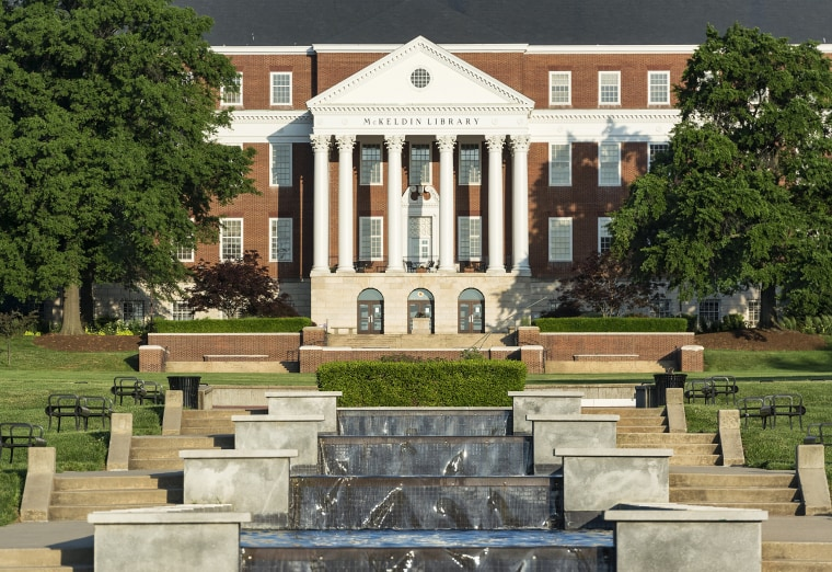 Image: McKeldin Library and fountain, University of Maryland