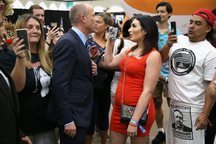 Image: Michael Avenatti and Laura Loomer attend Politicon 2018 at Los Angeles Convention Center