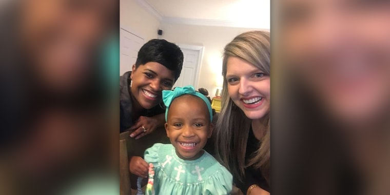 Stranger helps mom learn how to style black daughter's hair, Stephanie Hollifield, Monica Hunter