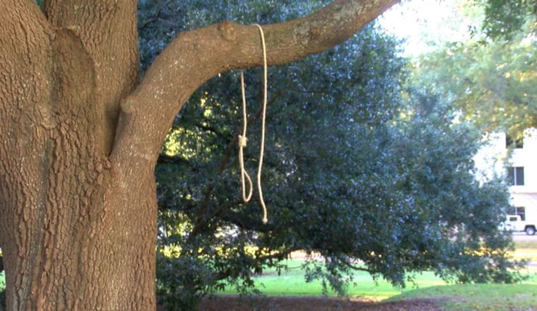 Image: Noose Mississippi State Capitol