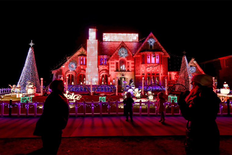 A couple decorated their house for charity