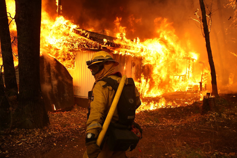 Image: Rapidly-Spreading Wildfire In California's Butte County Prompts Evacuations