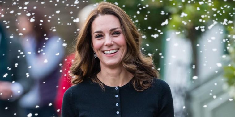 Duchess Kate's tartan skirt is so festive.