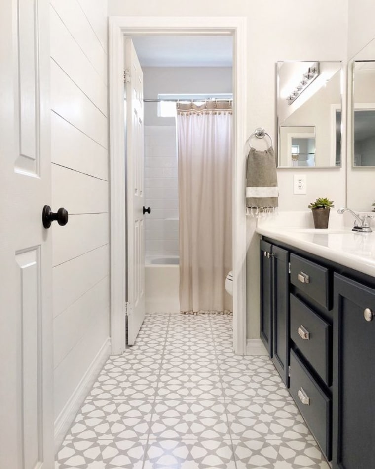 See How This Home Owner Transformed Her Bathroom Floor For Just 70