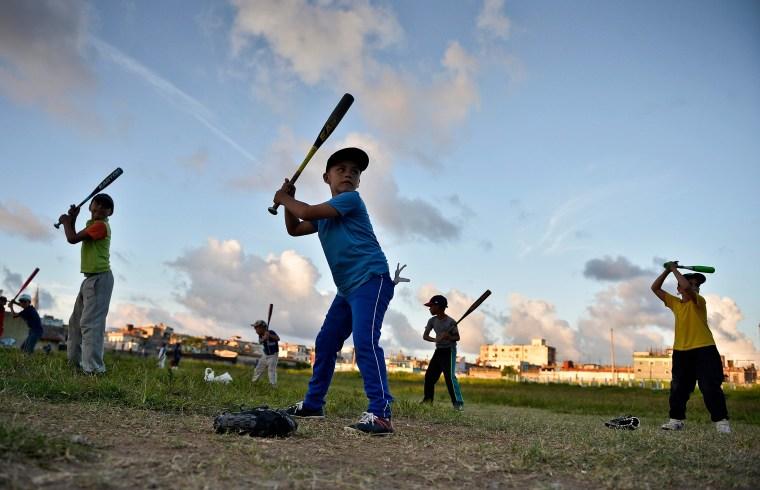 Image: Cuba, Child, baseball practice