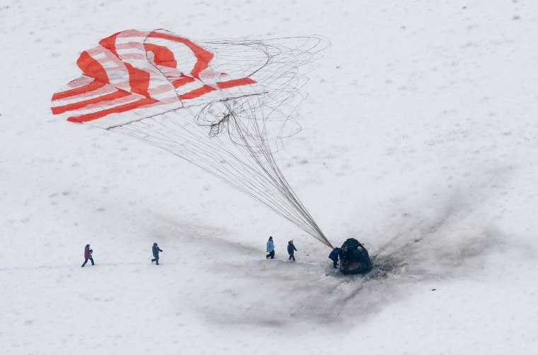 Image: Expedition 57 Soyuz MS-09 Landing in Zhezkazgan